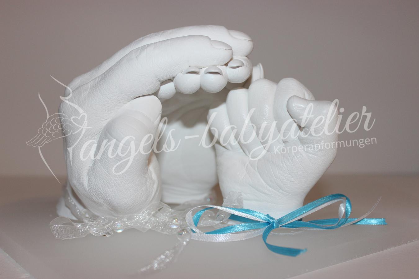 3D Familienhandabdruck auf Acrylsockel